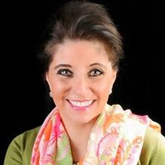 Lisa Ronzello, Tea Leaf Realty Relocation Manager